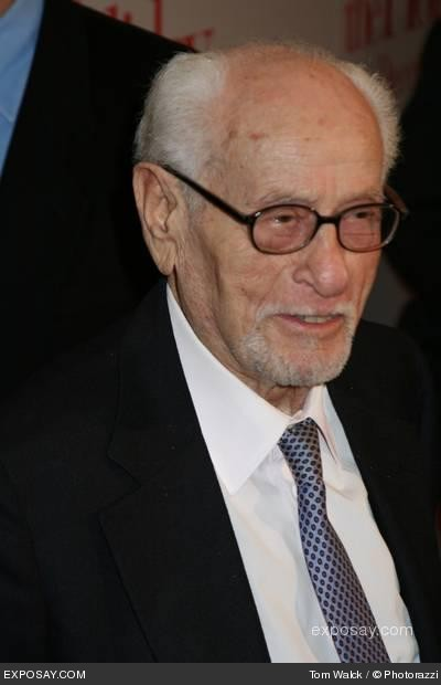 eli-wallach-the-holiday-new-york-premiere-arrivals-1zft97.jpg