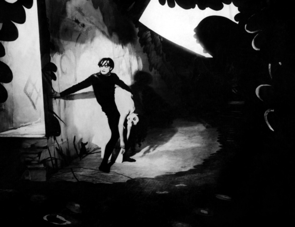 cabinet-du-dr-caligari-02-g.jpg